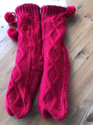 Calcetines altos zapatillas de punto rojos