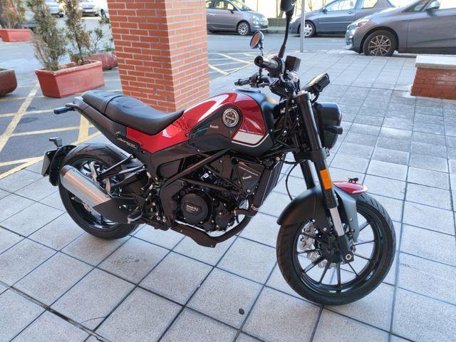 """Benelli Leoncino 250 """"Km 0"""""""