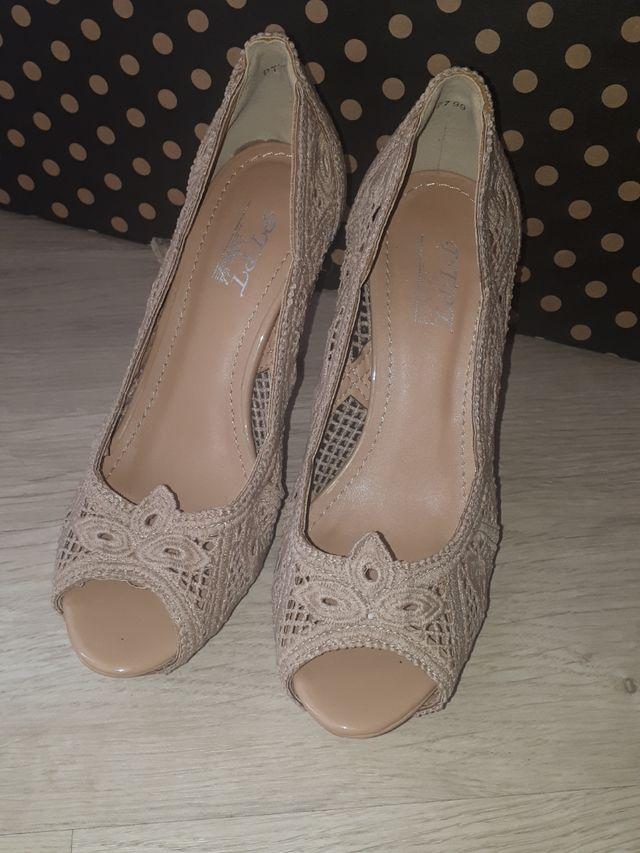 zapatos color beige n37
