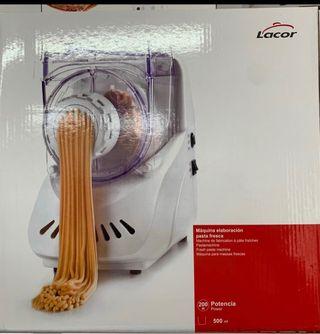 Maquina para elaborar pasta fresca. Marca lacor