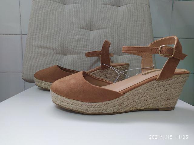 Zapatos Nuevos T40 cuña esparto color camel ante