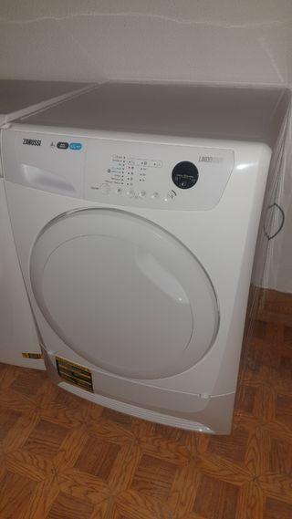 Vendo secadora Zanussi lindo 1000 8kg