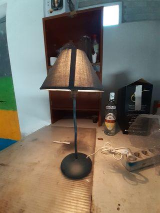 lampara de mesa de unos 56cm