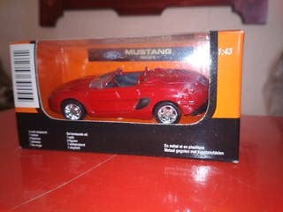 Mustang automodelismo 1:43