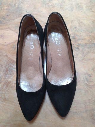 Zapato negro talla 38 Mimao