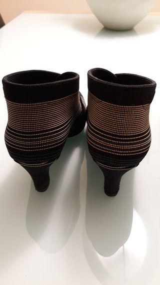 """2 pares de zapatos """"United Nude"""""""