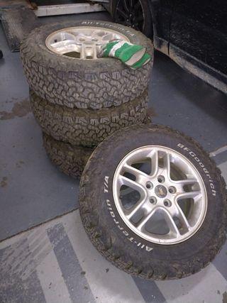 neumaticos BF Goodrich + llanta Range Rover SPORT
