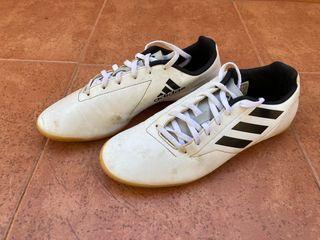 Deportivas Adidas de fútbol sala