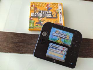 Nintendo 2DS y juego de Mario