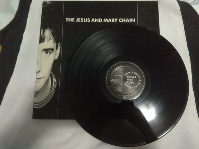 The Jesus And Mary Chain Barbed Wire Kisses