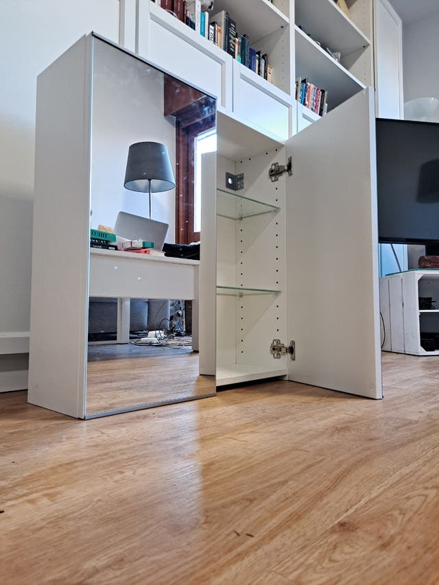 mueble baño Lillangen dos puertas espejo