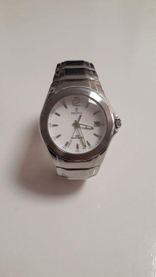 Reloj plateado