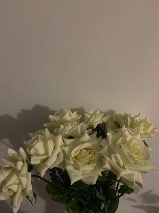Rosas artificiales color blanco