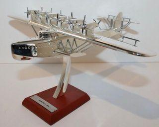 Precioso avión plateado DORNIER DOX 1:200