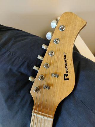 Guitarra eléctrica para niños y amplificador