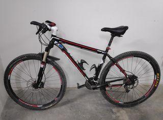 Bicicleta Trek 29 RockShox Reba