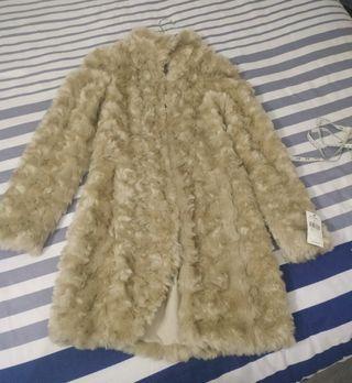 Abrigo de pelo sintético nuevo
