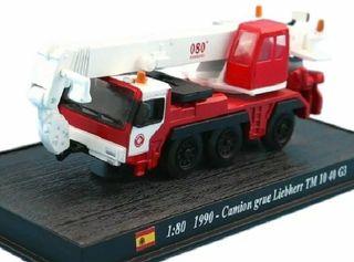 Precioso camión grúa de bomberos español 080