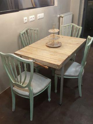 Conjunto de mesa y 4 sillas madera