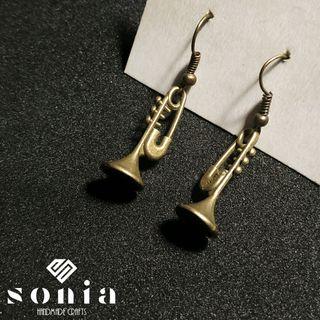 Pendientes Trompeta color cobre
