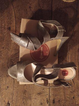 sandalia plataforma lesac piel plateada