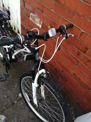 women's Apolo Spiral Mountain bike.