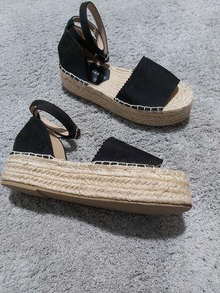 Sandalias con plataforma de esparto