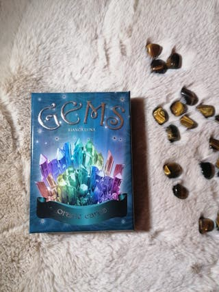 tarot, oraculo, gemas, minerales