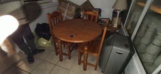 Mesa extensible y 5 sillas