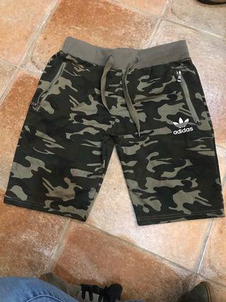 Pantalón chandal corto Adidas Falso