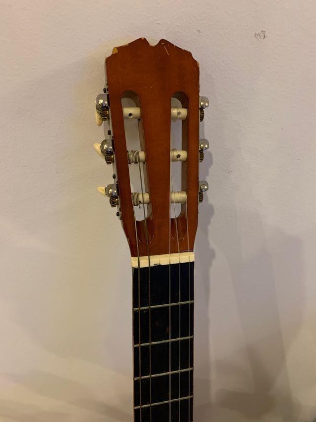 Guitarra española + funda