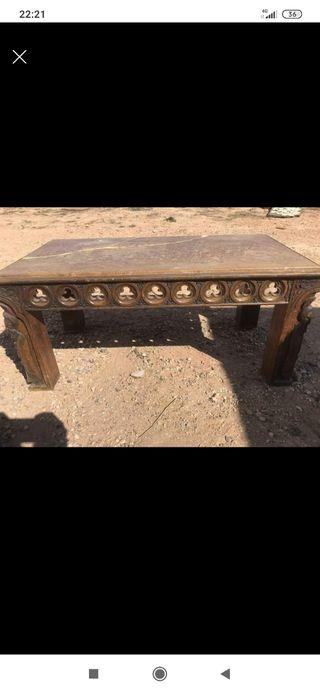 se vende mesa de madera antigua