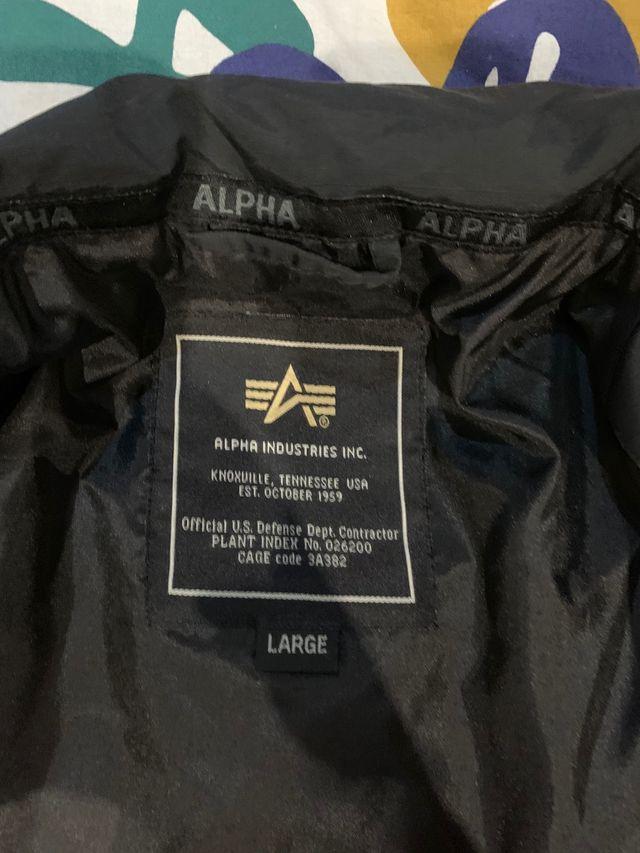 Abrigo Alpha Industries