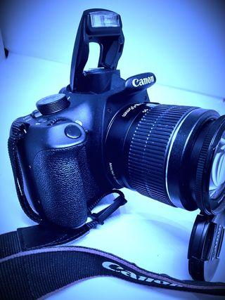 espectacular cámara réflex profesional CANON