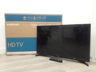 """TV Samsung 32"""" HD TV M4000 class"""