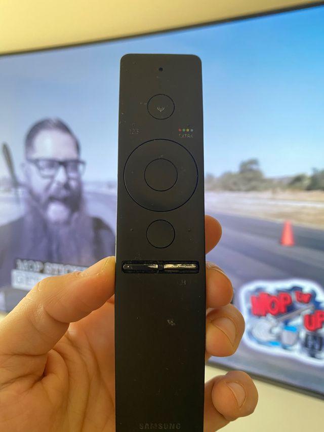Tele Samsung 55 pulgadas Curvo, con pantalla rota