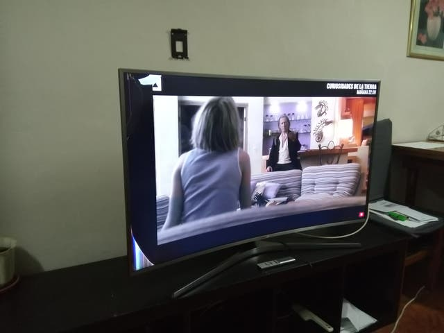 Samsung Qled Curve Smart TV 8K 48 Pulgadas