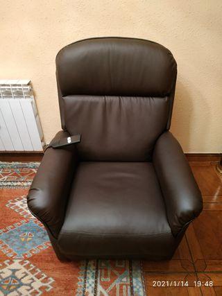 sillón relax eléctrico con un año
