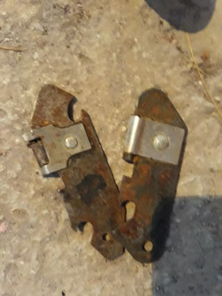 Abrelatas antiguo metal 2 disponibles 1€/unidad