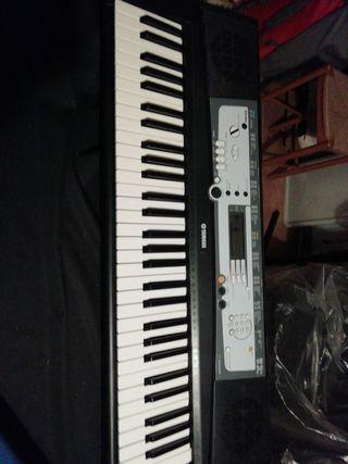 Piano organo Yamaha