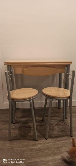 mesa y taburetes cocina