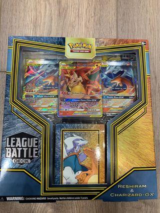 Caja cartas Pokemon Charizard GX en Inglés
