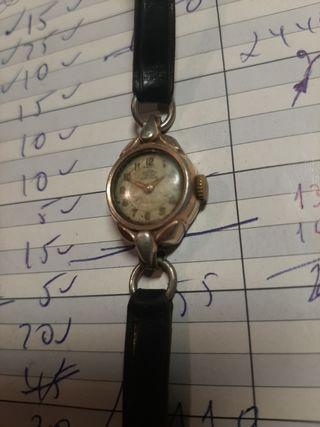 Reloj de cuerda DOGMA