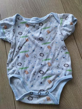 3 bodys bebé 3 meses