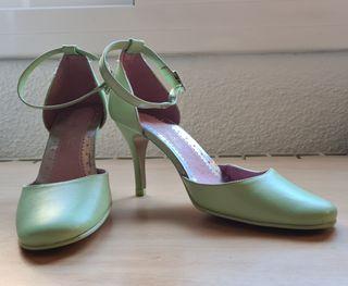 Zapatos tacón verde claro