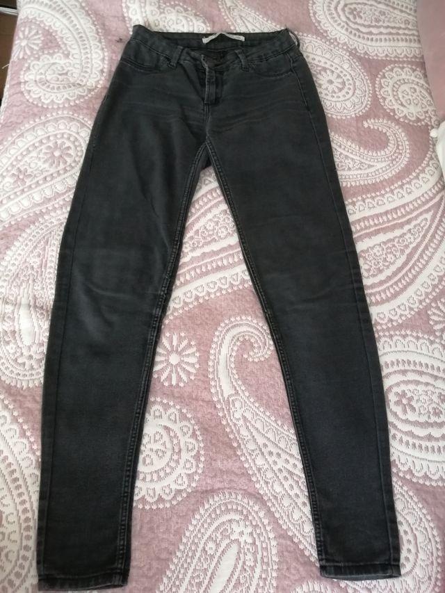 Pantalón Negro Berska