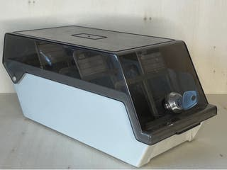 Antigua caja disquetera con llave