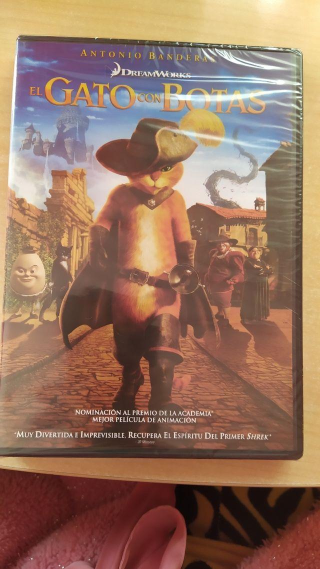 película DVD gato con botas