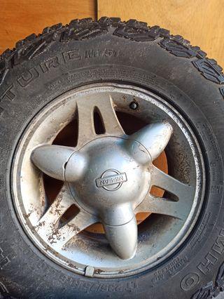 5 llantas Nissan Terrano 2 15x7.
