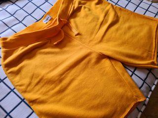 Pantalón amarillo Pull&Bear xl.